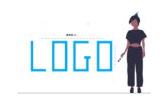 Kobieta ogląda swoje logo po przeszukaniu grafik.